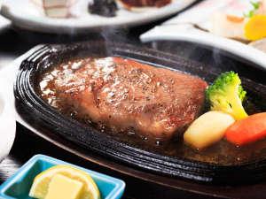 特選千屋牛ロースステーキ ジュワッと焼きたてをお届けいたします☆