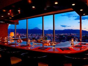 甲府盆地の夜景をご覧いただきながら、お食事が楽しめる鉄板焼レストランKEYAKI