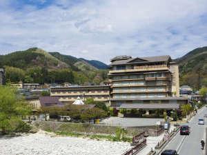 「心の館」は4階建て、「天の館」は7階建てです。