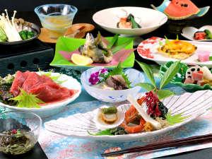 【旬菜料理】旬のものを最高に美味しい瞬間に料理する。季節の素材を活かしたお料理をお楽しみください。
