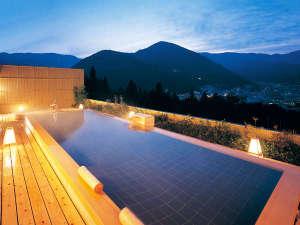 ★下呂温泉随一の絶景を誇る展望露天風呂