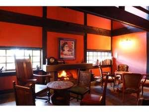 冬には暖かな火が入る、レストラン「すゞ奈」の暖炉。