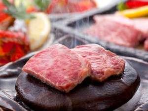 佐賀和牛の石焼ステーキ(例)。会席の最後に供されるので、食事ペースには要注意!