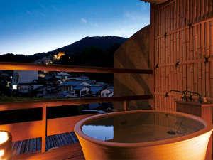 【露天風呂付客室】金刀比羅宮や四季の情景を眺める客室露天風呂(409号室・一例)