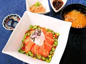 新緑のおすすめディナー【焦がし醤油の炙りみやぎサーモン御膳】※期間限定