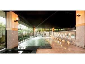 *大浴場/四季折々の景観を眺めながら温泉にゆっくりと浸かる贅沢な時間をお過ごし下さい。