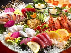 """◆港から""""直接""""買い付けた海の幸!鮮やかな刺身は萬波自慢の一品◆"""