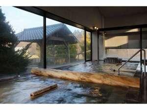 男鹿温泉で唯一、2本の源泉掛け流し温泉。内風呂「石山の湯」と露天風呂「鹿の湯」でごゆっくりとどうぞ。