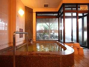 新潟の紅葉スポット近くの温泉宿・紅葉露天のある宿県 ホテル 古城館