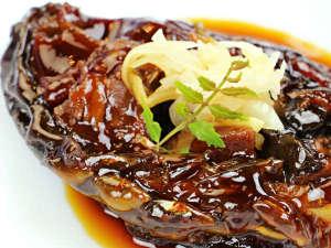 【夕食一例】鯉のうま煮 会津ではお祝いの席に欠かせないおもてなし料理です