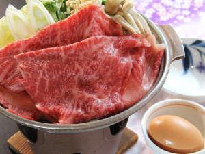 【夕食一例】福島牛すき焼き 新鮮な「黒鶏のたまご」を潜らせてお召し上がりください