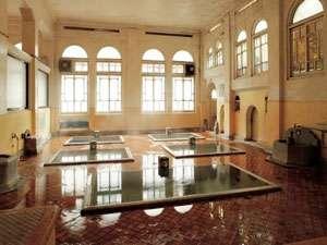 【元禄の湯】昭和5年建造・国の登録文化財の元禄の湯を始め源泉かけ流し4種のお風呂が入り放題