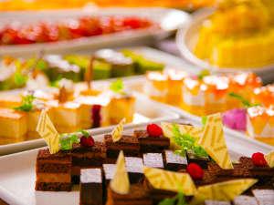 手作りスイーツはじめ、メニューは30種以上!【ディナービュッフェ】で北海道の「おいしい!」を満喫☆