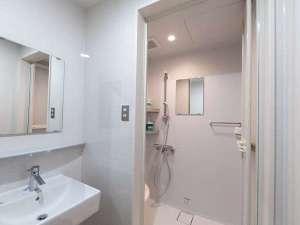 ビジターセンター内のシャワールーム。トイレもございます