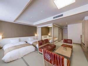 【客室】スイート:布団を敷くことで最大5名様までお休みいただける客室。