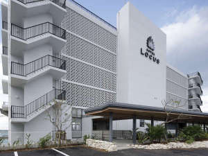 ◇ ホテル外観 (昼)