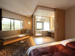 *【ビューバスツイン】森を臨むバスルームで寛ぎのひとときをお過ごしいただけるツインルーム
