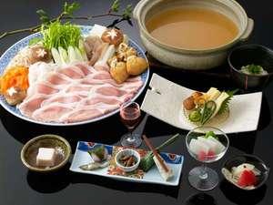 ■お美姫鍋■ほんのり香たつ日本酒の香り、阿波ポークと冬野菜。寒い冬にあったかい鍋料理です。