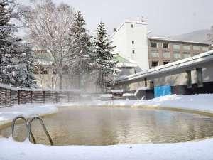 冬でもあったか温泉プール