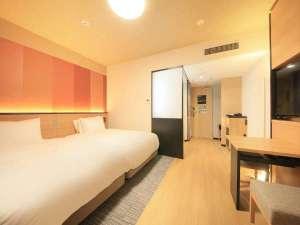 広さ:25.8㎡ シモンズ社製ベッド幅120cm 「桜」+「格子」がモチーフ