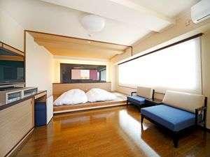露天風呂付特別室レイクビュー部屋の広さ40㎡布団は敷いてありますDVDデッキあり