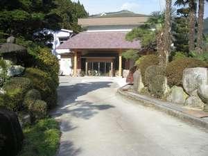 2008年8月に大屋根を付けた正面玄関です。