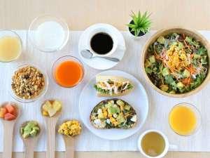 「管理栄養士」の資格を持つ副支配人が「朝から元気になれるヘルシーモーニング」の朝食メニューを考案