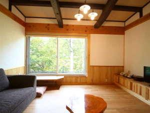 山法師客室:山荘風12畳、2017年10月にOPENしたばかり。展望風呂が付いているお部屋です。