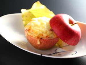 林檎のグラタン。大人気のメニュー