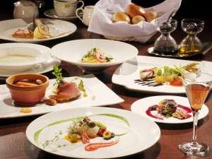 本格的な洋食コースは、地場の幸を多彩な料理でご提供。