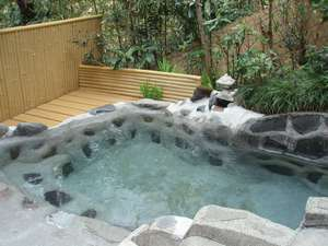 貸切できる露天風呂 「長寿の湯」