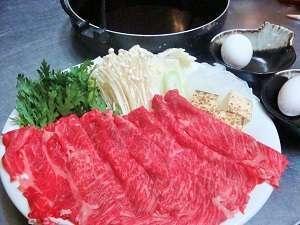 味も香りも素晴らしい米沢牛のすき焼き