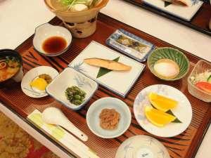◆湯豆腐や温泉玉子などやさしい朝食をどうぞ