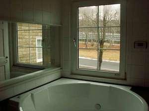 館内のお風呂(外国製の泡風呂)貸切無料