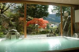 山形の紅葉スポット近くの温泉宿・紅葉露天のある宿県 蔵王プラザホテル