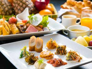 【朝食】ビュッフェ形式の朝食は、朝いちばんの美味しいをお届け♪