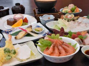 ご夕食和食膳11品※季節や仕入れ等により料理内容は変わります。