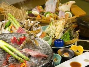 魚介の炭焼と手巻寿司を楽しむプレミアム膳(夕食一例)