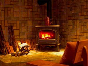 ■ロビー■ロビーには暖炉がございます。寒い冬はほっこり温まりますね。