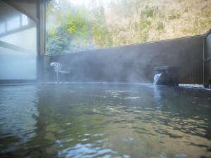 ■露天風呂■しっとりした質感が好評の天然【宮島温泉】を心ゆくまで。