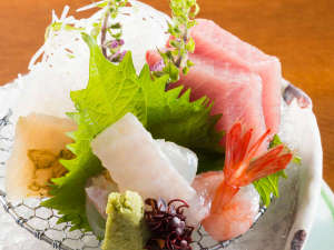 ■季節のお造り■富山湾の新鮮なお造りをお楽しみください。