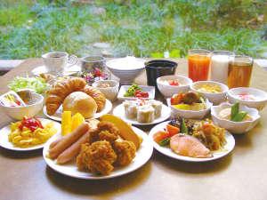 和洋20種以上の無料朝食バイキングもお楽しみください♪