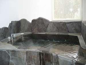 九重の名水の岩風呂