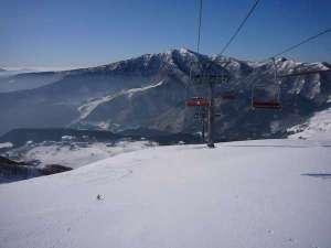 ハチ高原は、標高も高く絶景でのスキーでリピーターのお客様が多いです。