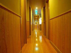 近年改築しました!廊下とお部屋は段差がなくフラットになっているのでシニアや小さなお子様も安心です♪