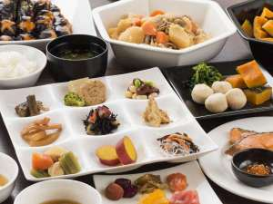 和食派の方は、京のおばんざいや煮物、いかの塩から等北海道珍味も♪ご飯がススム!!