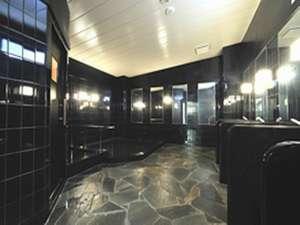 当ホテル自慢の大浴場です。15:00pmから9:00amまでご利用いただけます。