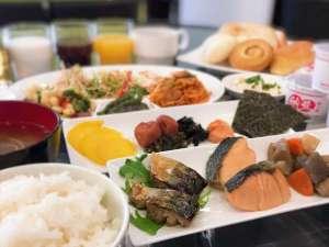 和洋朝食バイキングAM6:30-9:30(1階ロビー)