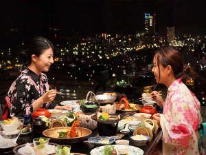 高松市内の夜景を眺めながらのお食事は味もまた格別