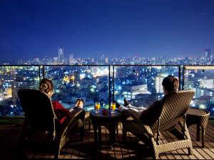 """「高松市内」の景色を存分に楽しむ""""200度の大パノラマビュー"""" 大切な方とゆったり贅沢な時間を。"""